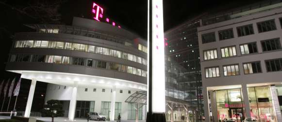 Telekom unterliegt vor LG Köln: Drosseln bei Flatrates unzulässig